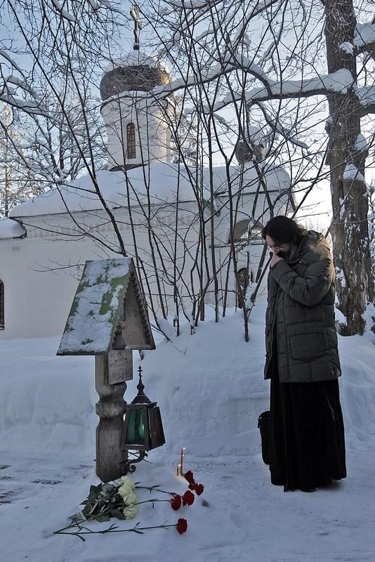 На месте гибели протоиерея Александра Меня
