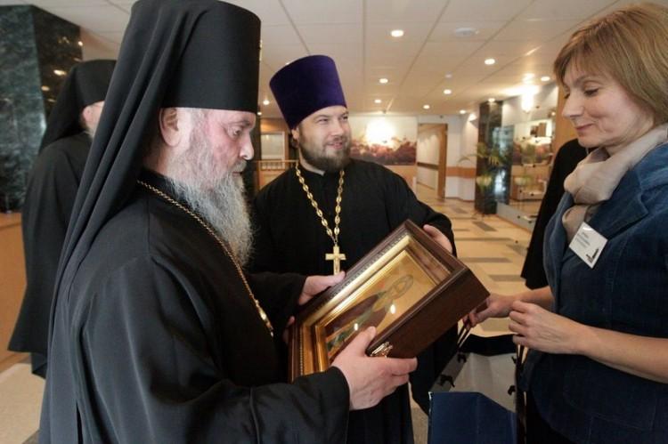 Подарок архиепископу Григорию