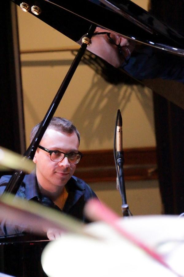 Пианист Дмитрий Илугдин