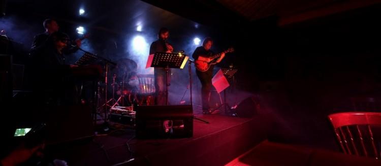 Arimoya Band