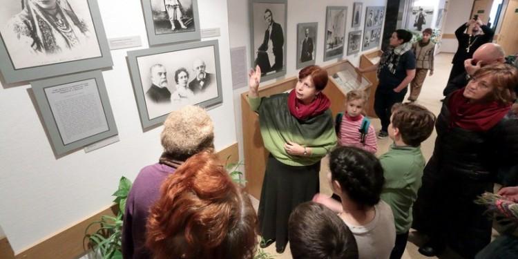 Открытие выставки фотографий из Абрамцева