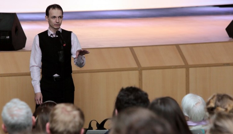 Историк Олег Устинов отвечает на вопросы