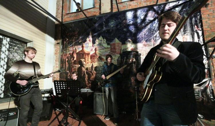 Концерт солистов Indigo Land у креведческого музея