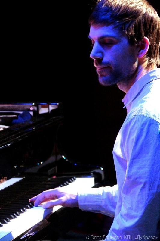 Концерт трио Йонаса Камбиена