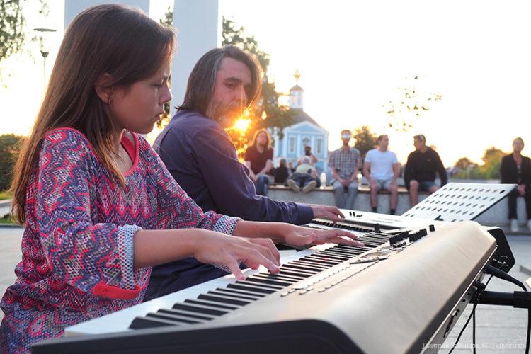 Концерт на Дороге к храму